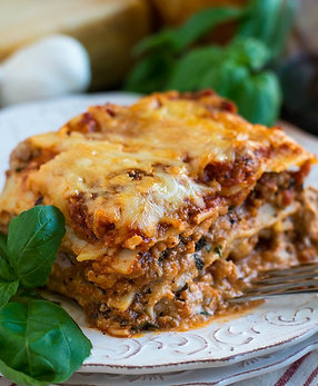 Classic Beef & Cheese Lasagna ($15.5/pers)