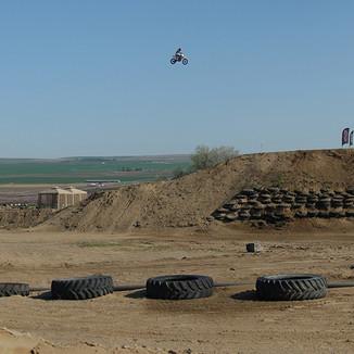 Alex Harvill 425 feet Photo: Brian Schaefer (2012)