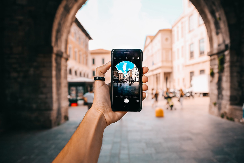 camera - take pictures - travel buddy
