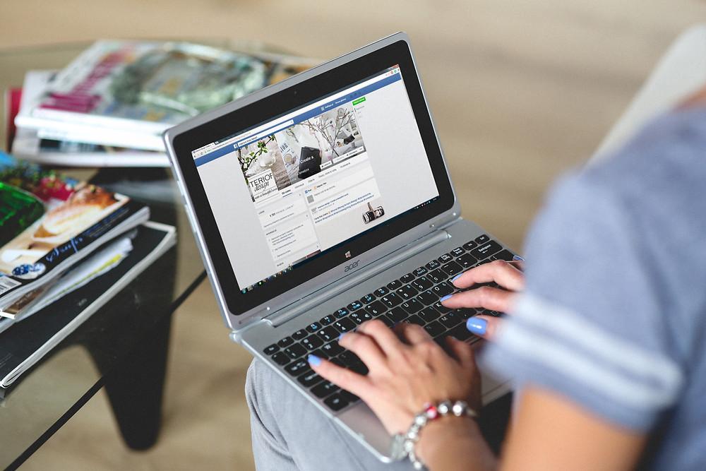 online dating - social media