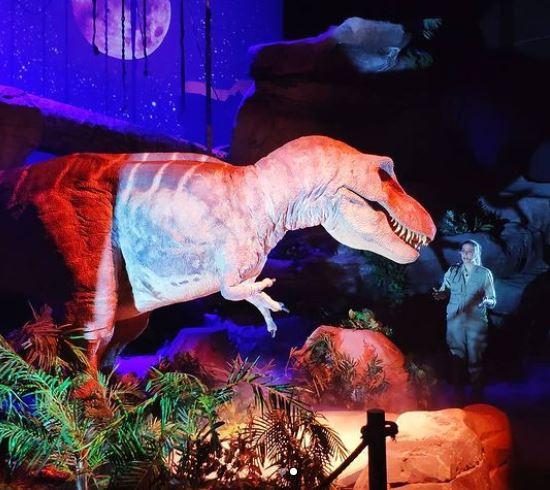 tiranosaurio dinopolis