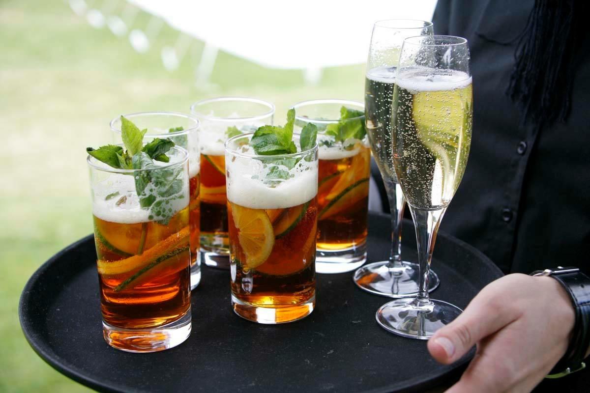 Wedding Arrival Drinks Service