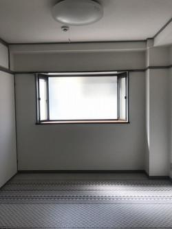 ルミエール新伊丹 洋室