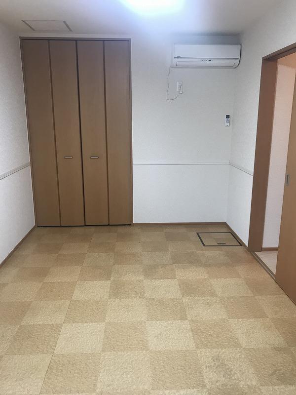 ワンワン・メゾン 洋室