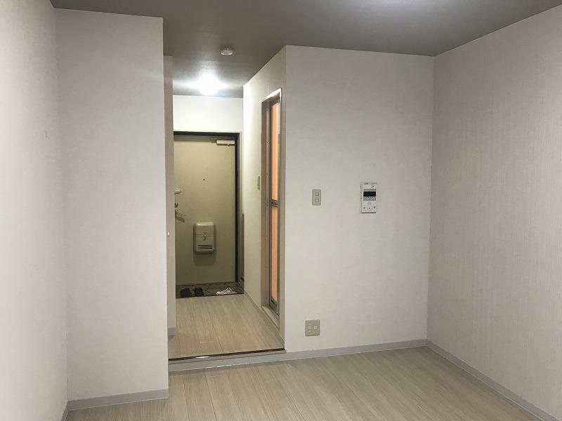 ロイヤルメゾン 洋室2