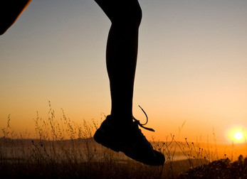 HOW RUNNERS STAY MOTIVATED to train