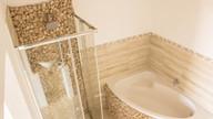 Main bath 3.jpg