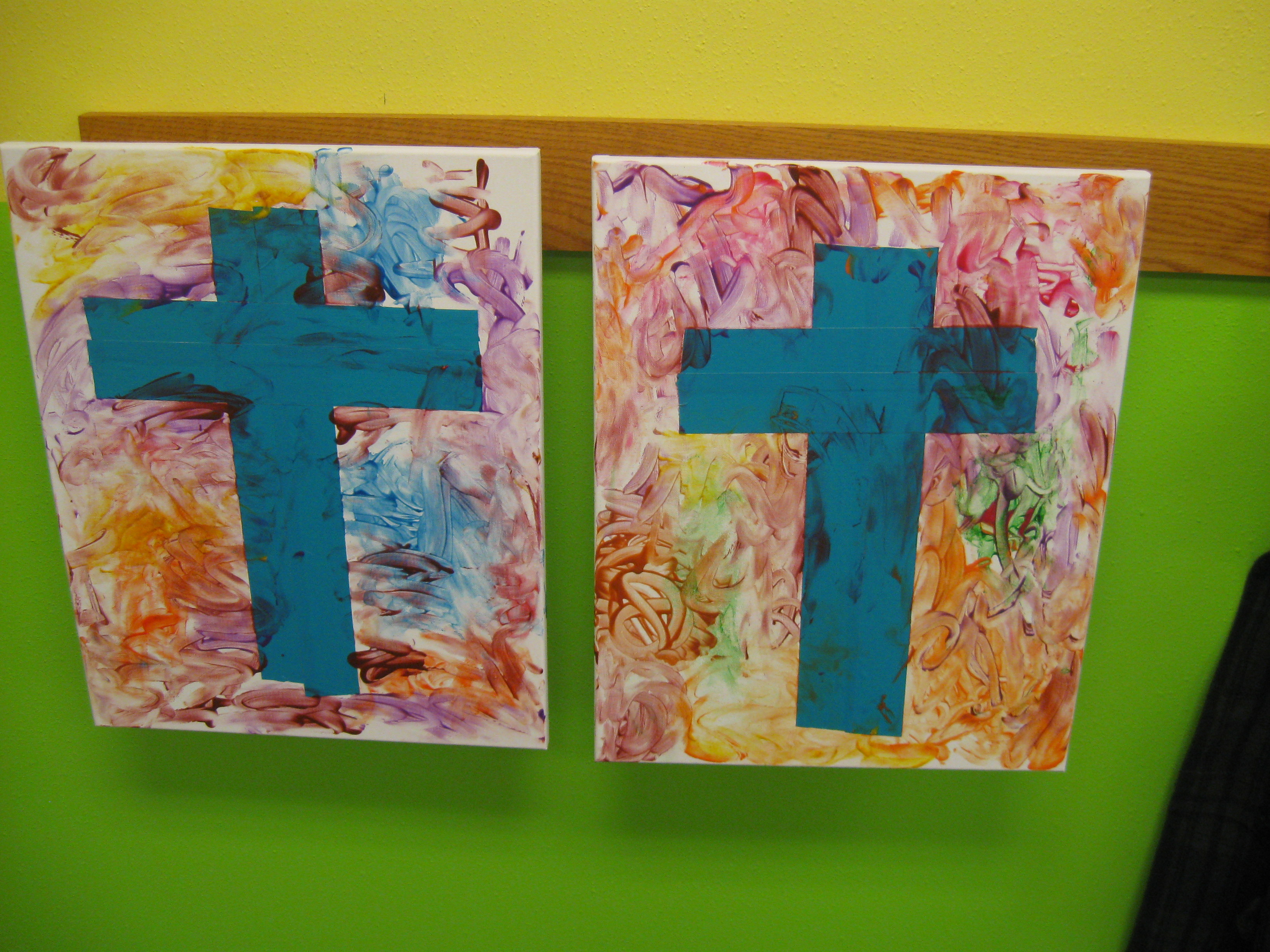 2 fingerpaint crosses