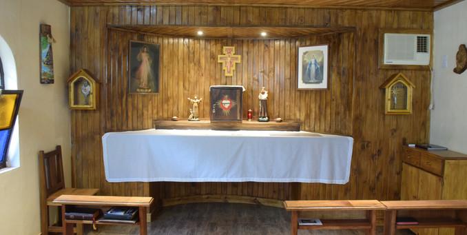La capilla/Wnętrze kaplicy klasztornej