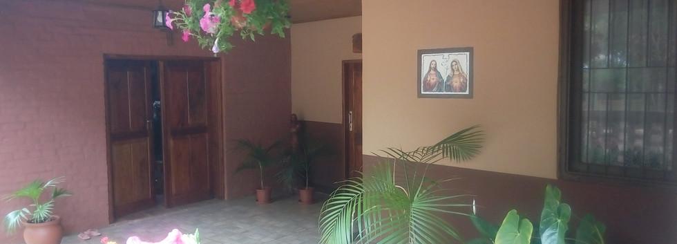 La entrada a la capilla/Wejście do kaplicy