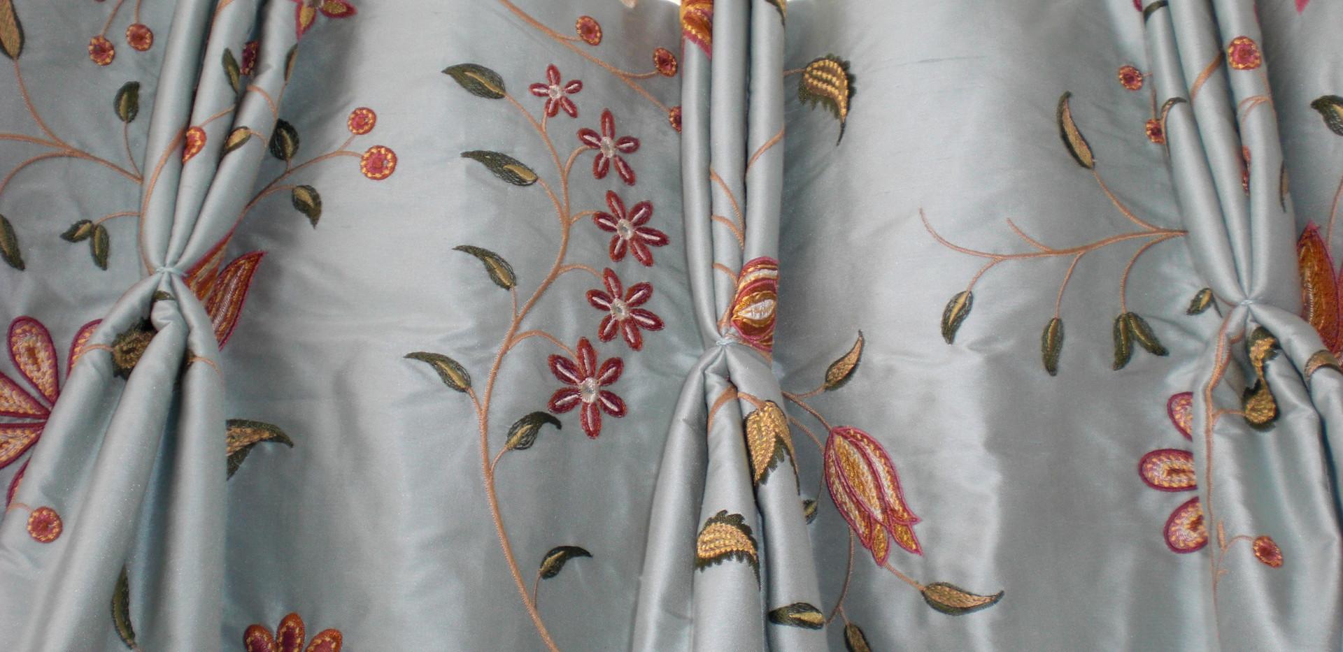 curtains 233 - Copy.jpg