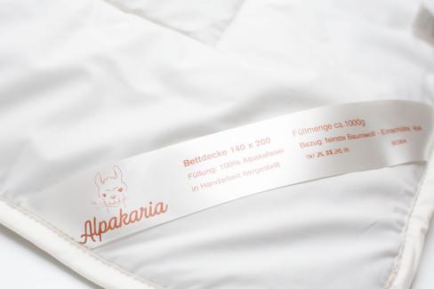 Alpaka Steppdecken und Babybett