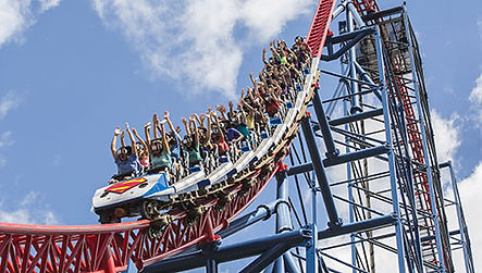 Six-Flags-New-England-Attraction.jpg