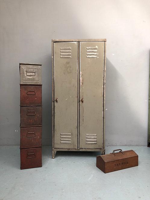 Diverse lockers