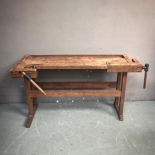 Kleine houten werkbank