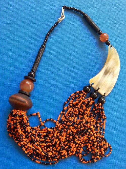 Collier typique africain