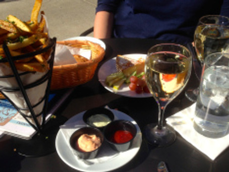 NaBloPoMo day 13: munch out on your lunch out — Apres Diem