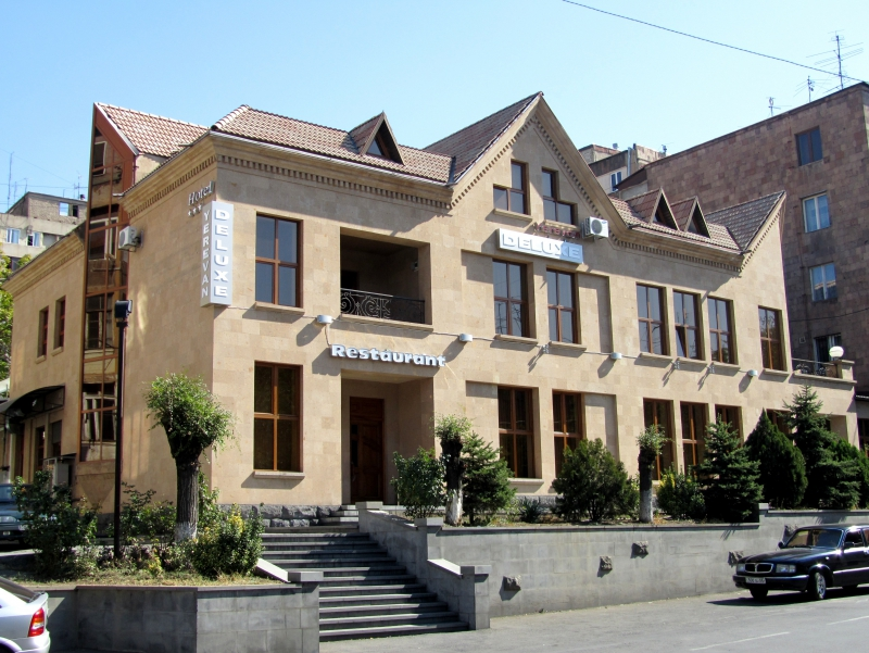 Delux Hotel