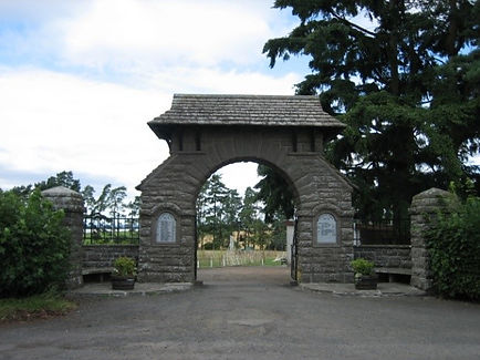 Meigle War Memorial.jpg