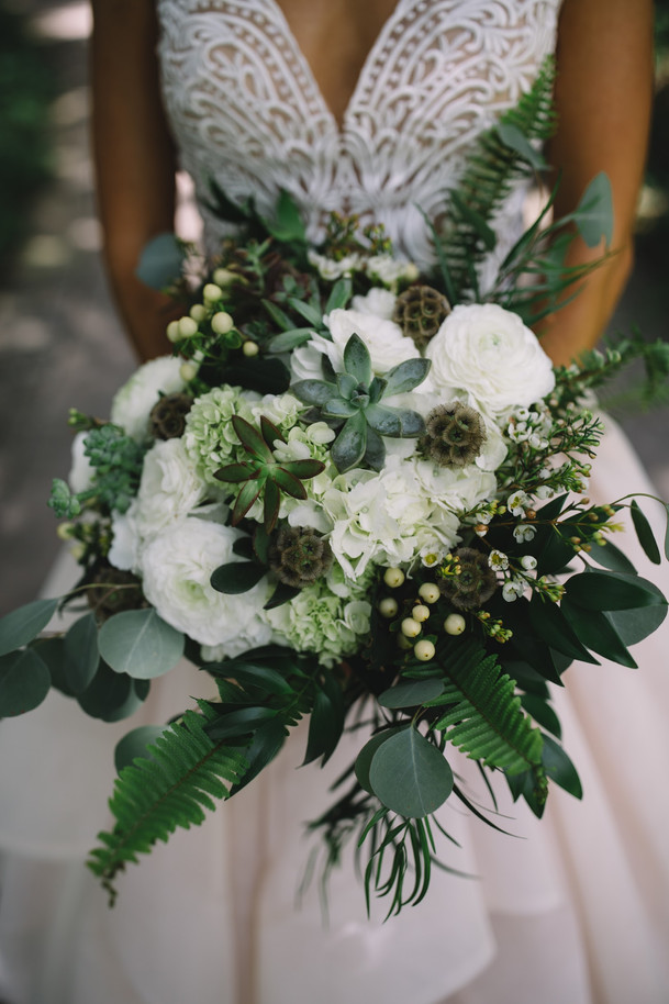 d41-event-space-lush-bridal-bouquet