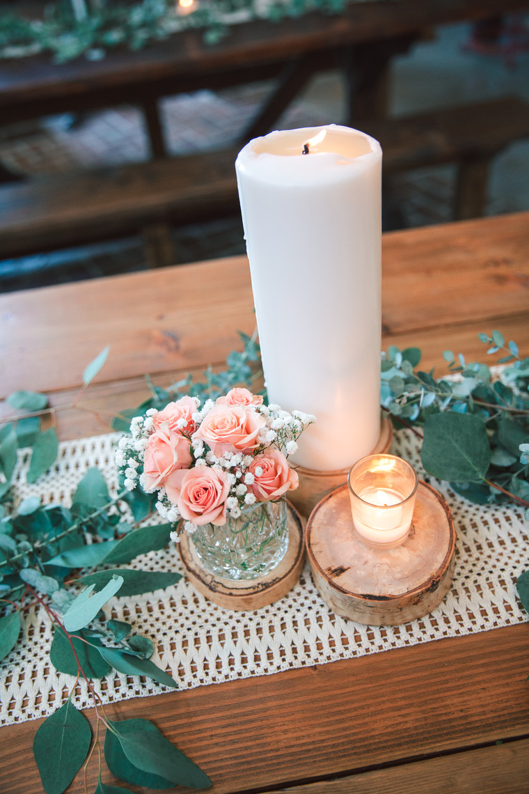 d41-event-event-space-candle-flowers-greenery-centerpiece