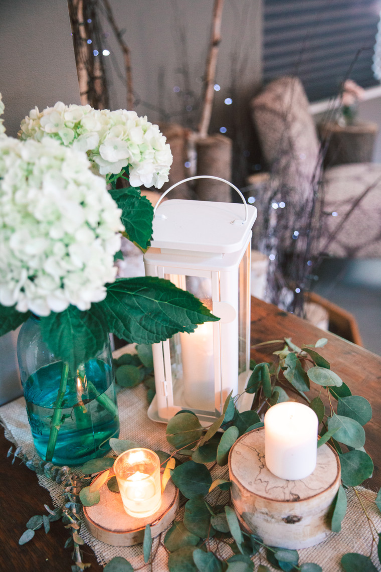 d41-event-space-candlelit-flowers