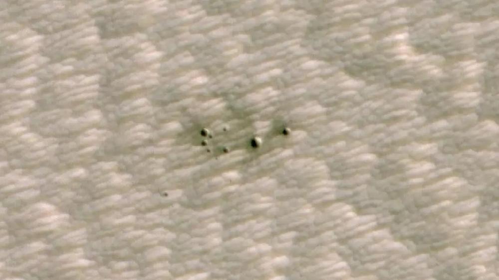 Dicha inteligencia artificial pudo identificar una serie de cráteres en la superficie de Marte que se cree que aparecieron entre marzo de 2010 y mayo de 2012.www.nasa.gov