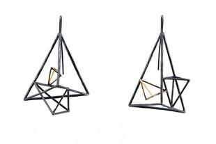 Unsymmetric Wire Structure Earrings