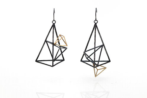 Wire Structure Triangle Dangle Earrings