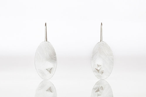 Tiny Pyramids on Oval Disk Earrings