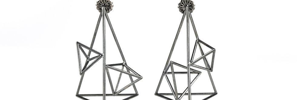Asymmetrical Wire Structure Earrings