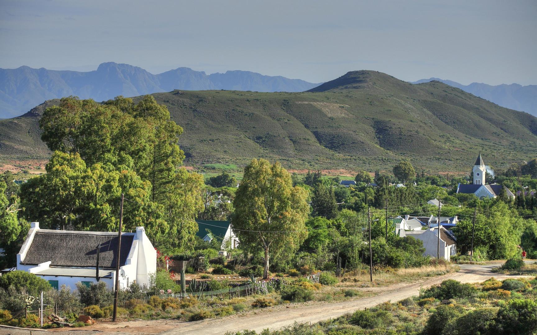 McGregor Country Getaways from Hills.jpg