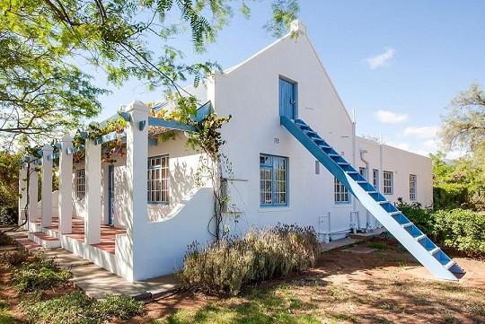 Francolin Cottage Side.jpg