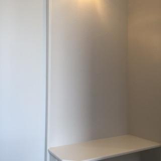 穂積様邸-完了状況 2階玄関横ベンチ.JPG