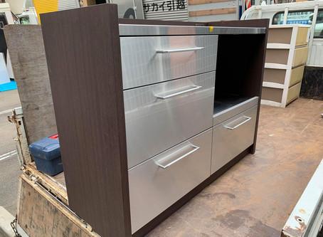 食器棚の回収作業