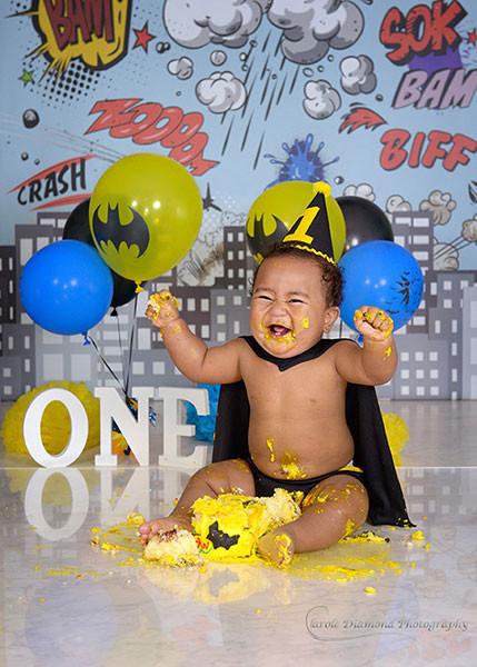 """Batman"" Cake Smash theme now available"