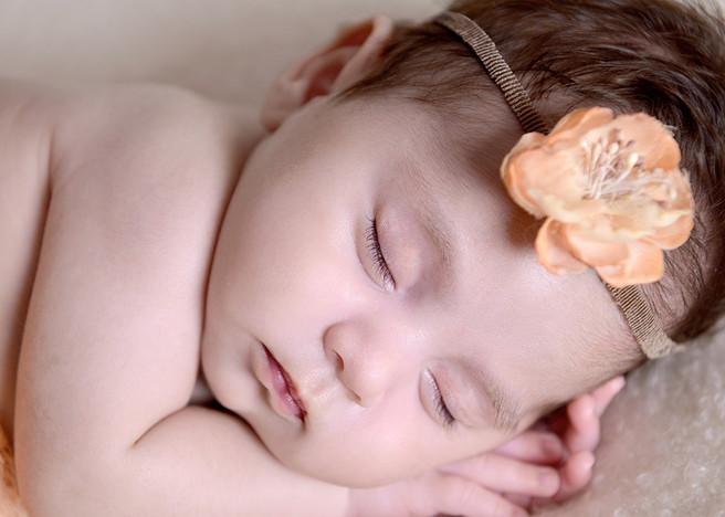 Scarlett's Newborn Photo Shoot