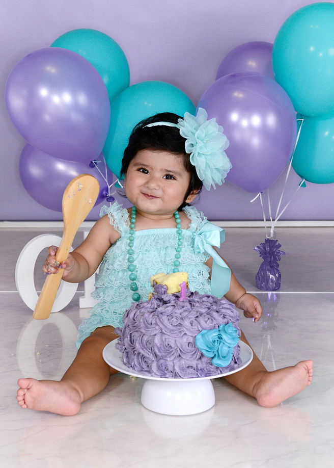 Little Aaliyah's first birthday cake smash!
