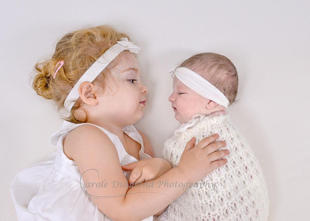 newborn photos sydney sisters