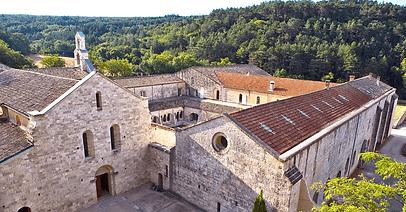 Labbaye-dAiguebelle-dans-la-Drôme-Divine