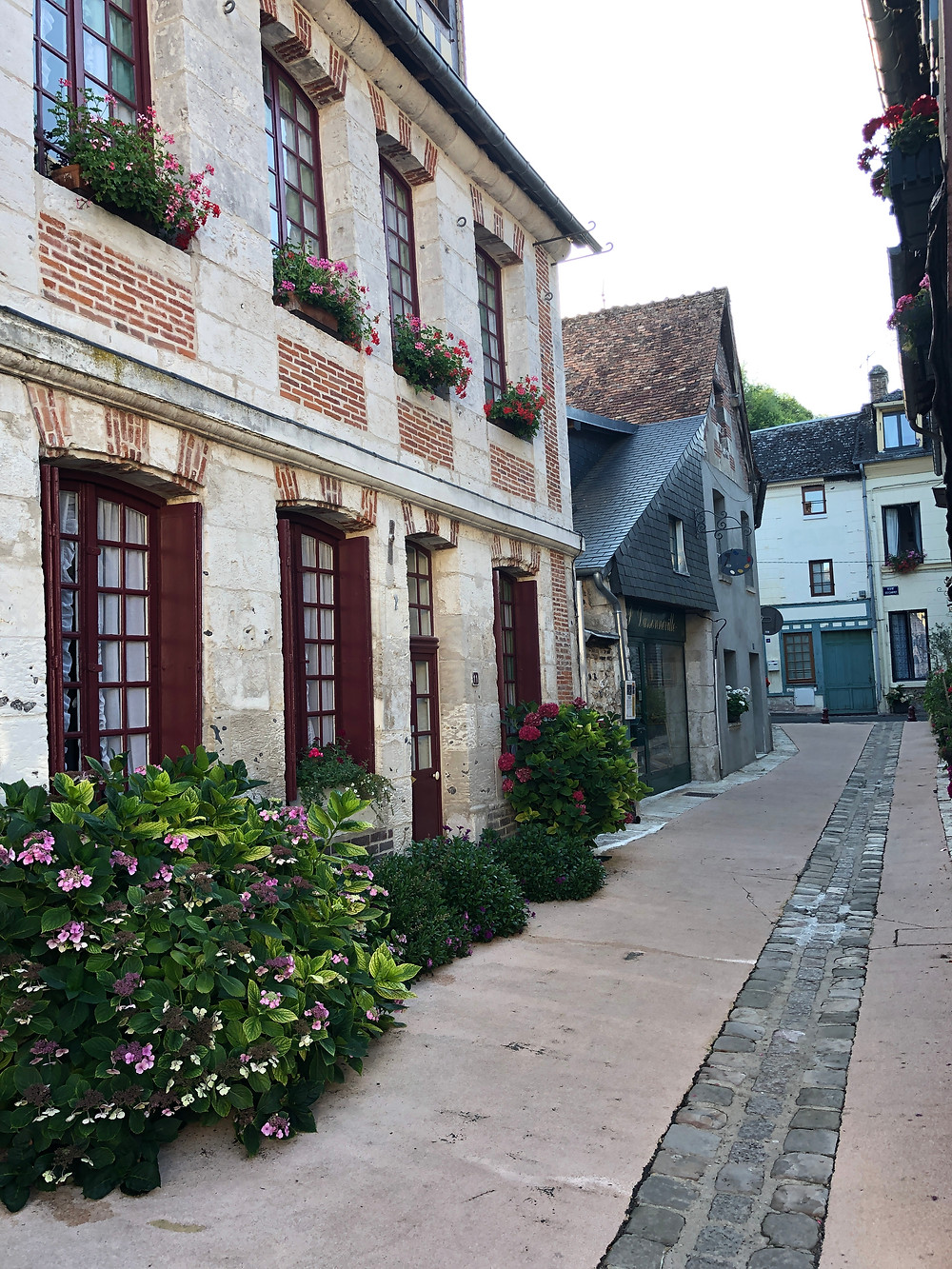 where to stay near calais, places to stop near calais, la Bouille