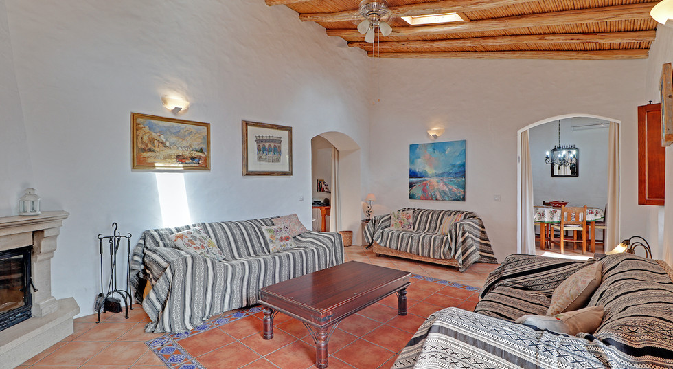 Casa Violeta Algarve open plan living ro