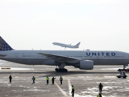 United Airlines is reportedly in talks for about 200 Boeing and Airbus planes