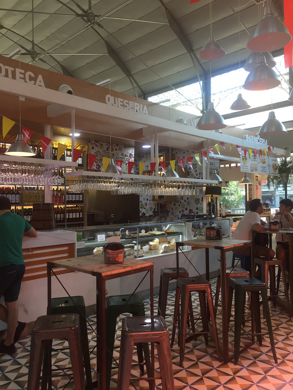 Tapas bar in Mercado Victoria