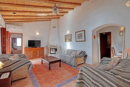 Casa Violeta Algarve open fire for the w