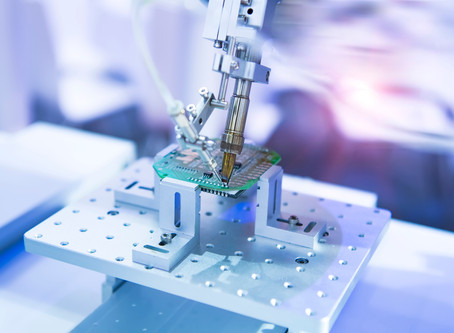 Triple-lead dipped tantalum capacitors guarantee fail-safe insertion