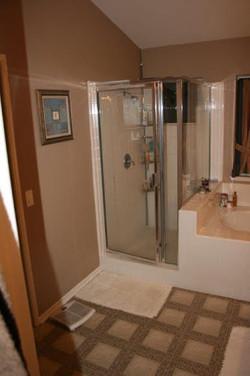 Modern Bathroom Remodel: BEFORE
