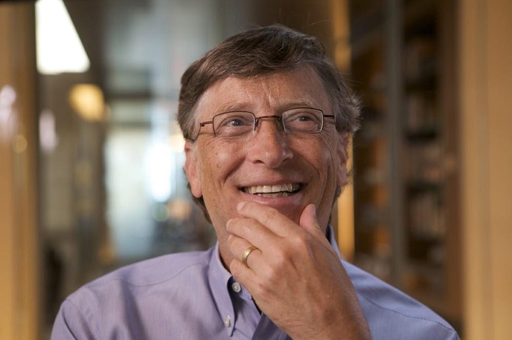 Bill Gates nói rằng ông ấy đọc 50 cuốn sách mỗi năm