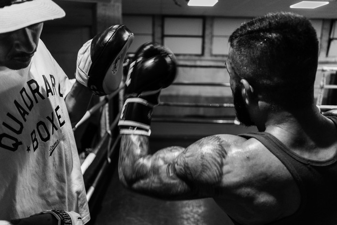 Armando Casamonica during a training session in the ring with his master Silvano Setaro.