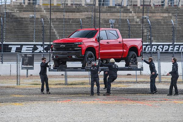 2019-Chevrolet-Silverado-Reveal-07.jpg